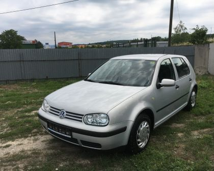 Volkswagen Golf IV 1.6 Automat Comfortline Sezónne prezutie