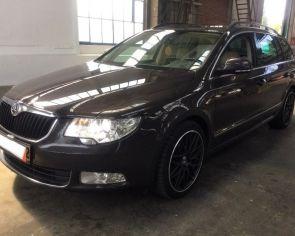 Škoda Superb Combi 2.0TDI CR DSG Elegance Sezónne prezutie NAVI Keyless