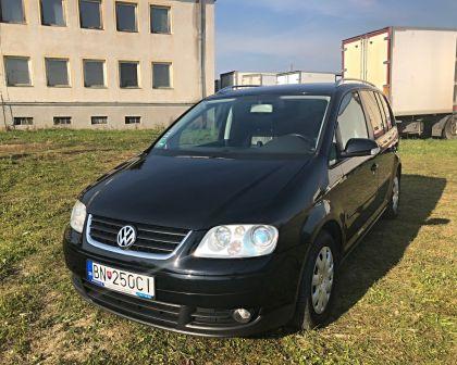 Volkswagen Touran 2.0TDI DSG HIGHLINE Webasto NAVI