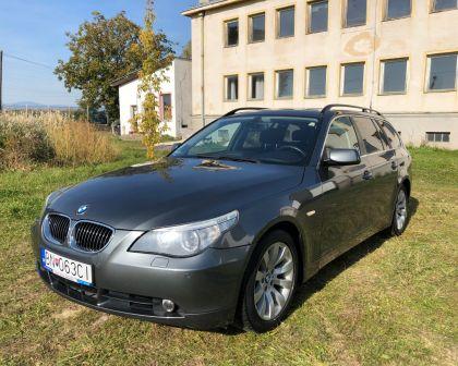 BMW rad5 Touring 3.0d Automat NAVI Sezónne prezutie PDC