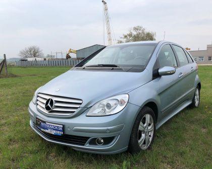 Mercedes Benz B 170 Automat ELEGANCE Parkovacie senzory + sezónne prezutie
