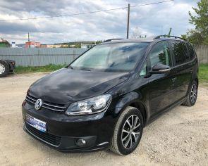 Volkswagen Touran 1.6TDI DSG Navigácia ŤAŽNÉ + sezónne prezutie