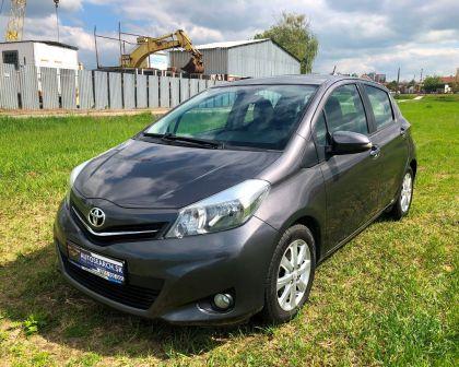 Toyota Yaris 1.33VVT-i Automat LOUNGE Navigácia + KAMERA