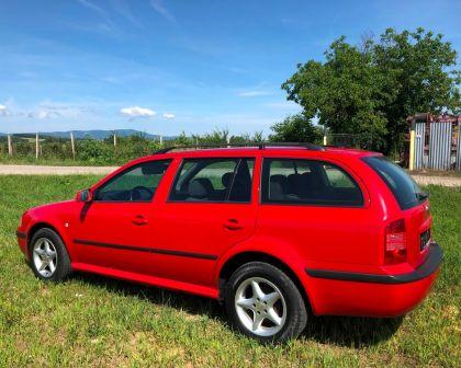Škoda Octavia Combi 1.6i Automat TOUR 1.majiteľ + sezónne prezutie