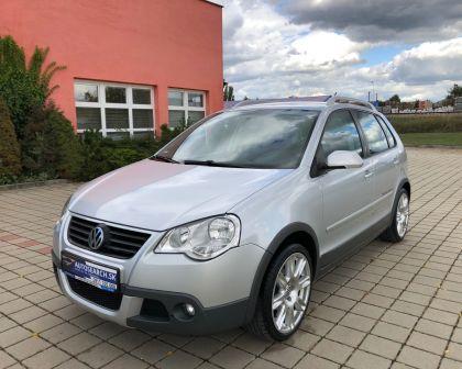 Volkswagen Polo CROSS 1.4 16V Automat Cúvacie senzory + sezónne prezutie