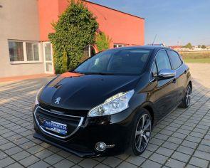 Peugeot 208 1.6 16V Automat FÉLINE Panoráma Parkovací asistent 1.majiteľ