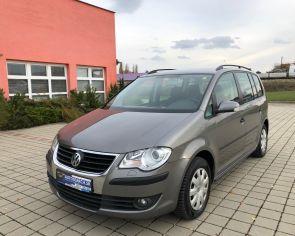 Volkswagen Touran 1.9TDI DSG Conceptline WEBASTO + sezónne prezutie